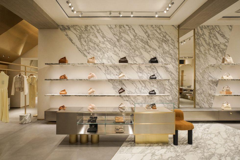 Fendi mở cửa hàng Flagship