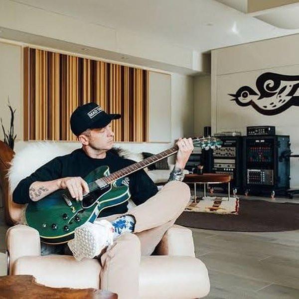 BLINKS phát hiện hint comeback đáng ngờ của BLACKPINK với một nghệ sĩ quốc tế, thậm chí còn lộ luôn cả tiêu đề bài hát 4