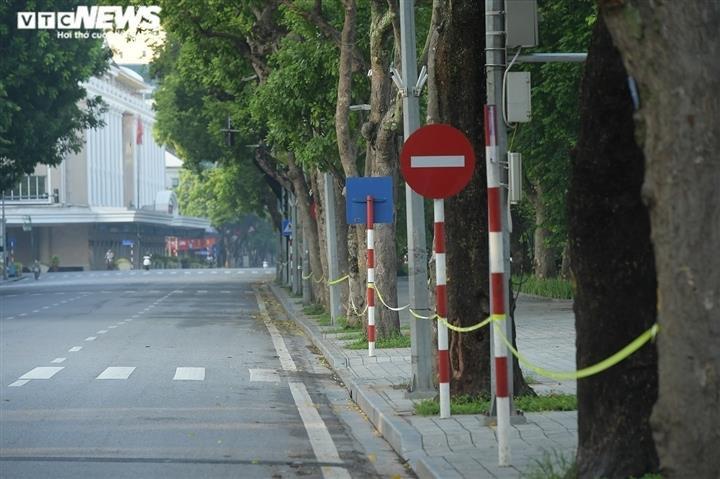 Vi phạm phòng, chống dịch COVID-19 ở Hà Nội có thể bị phạt tù tới 20 năm - 1