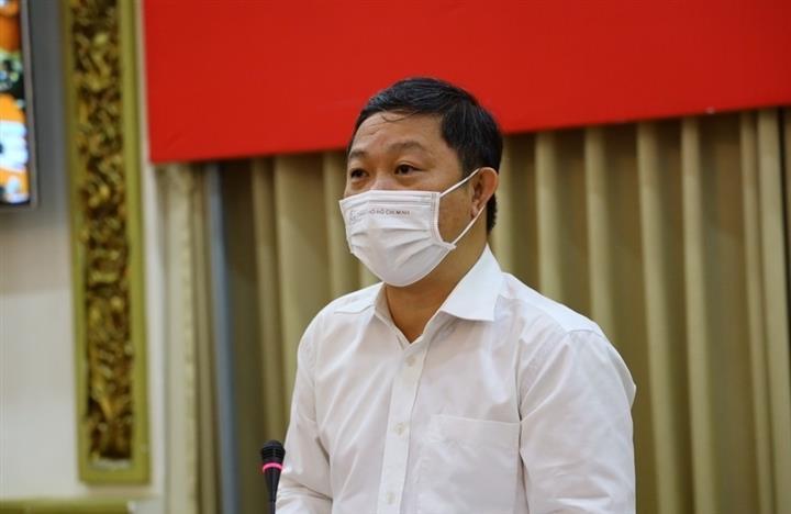 Phó Chủ tịch TP.HCM: Nhiều người cố tình mặc áo giống shipper để ra đường - 1