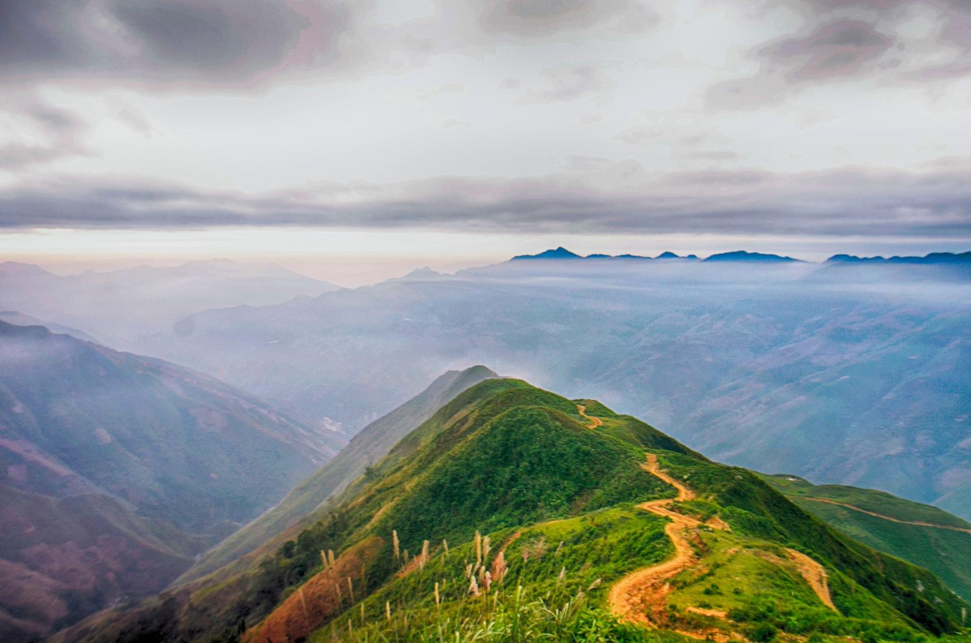 Đón bình minh giữa biển mây Tà Xùa - 11