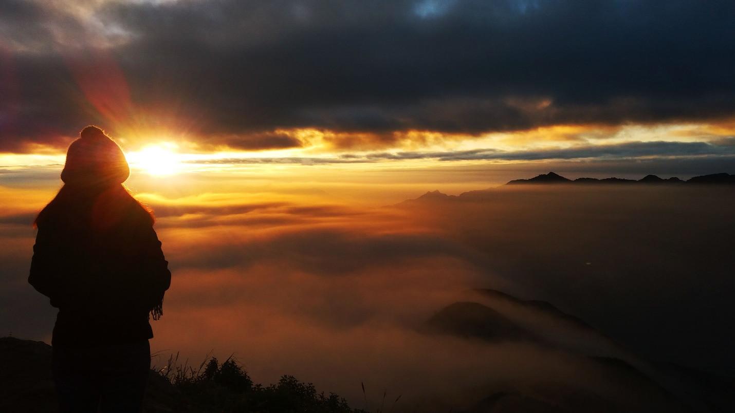 Đón bình minh giữa biển mây Tà Xùa - 6