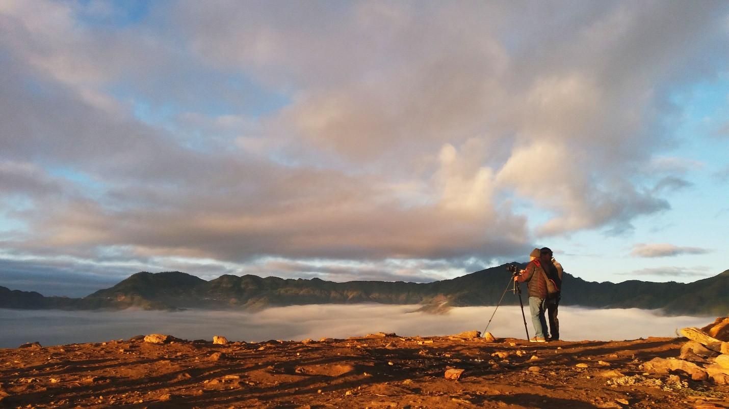 Đón bình minh giữa biển mây Tà Xùa - 9
