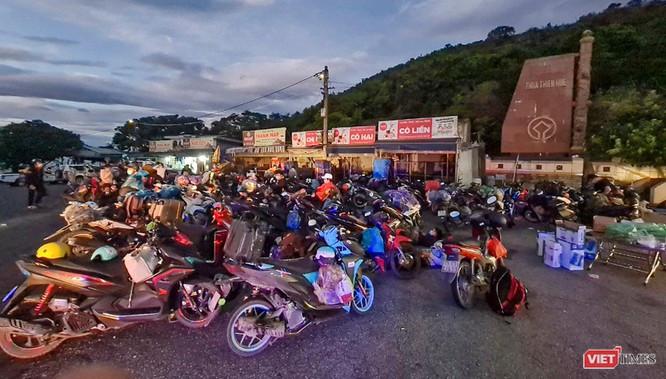 Ảnh: Hàng trăm người miền Trung rời TP HCM bằng xe máy ảnh 6