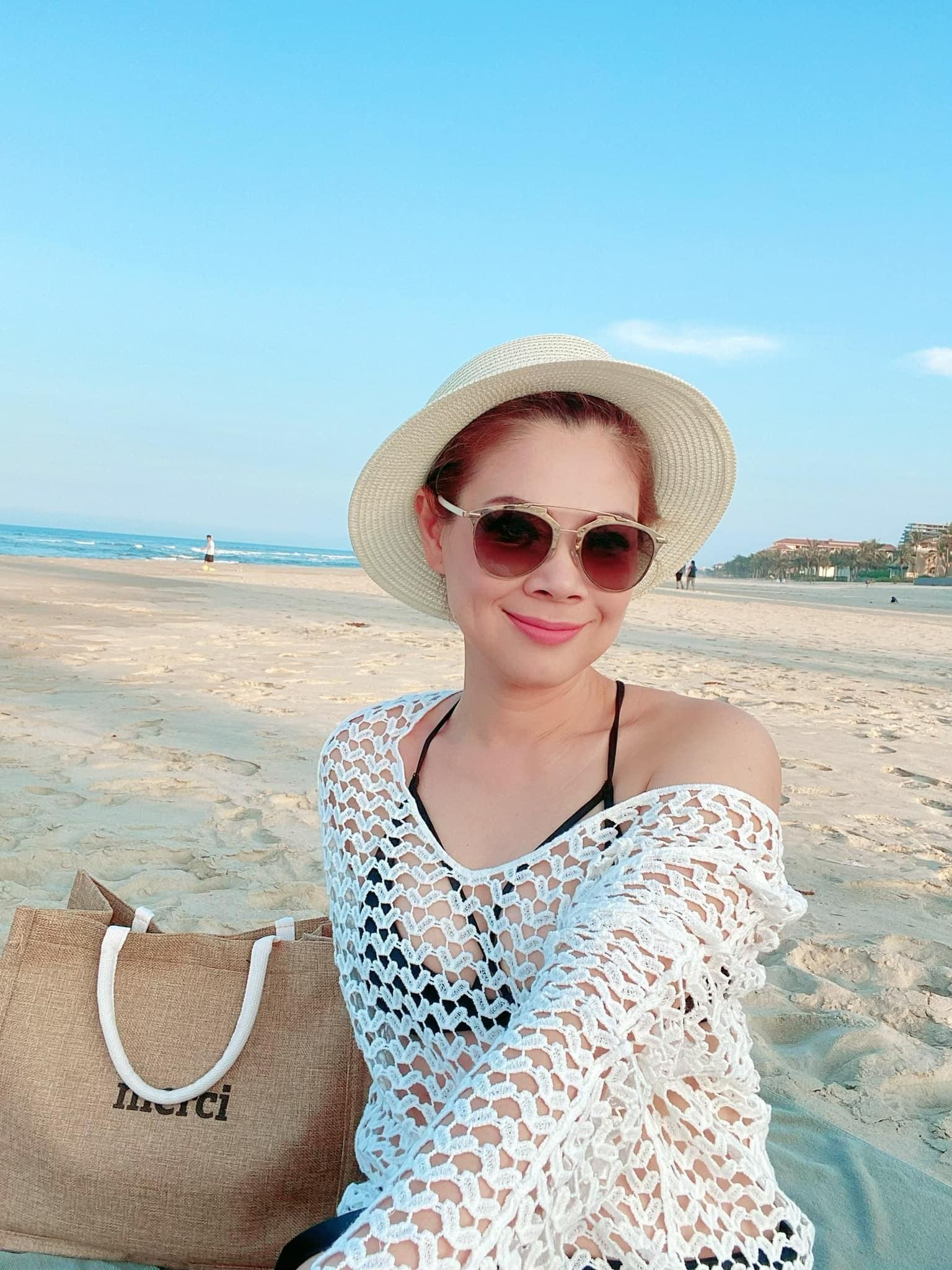 Ca sĩ Thanh Thảo nóng bỏng ở tuổi 44
