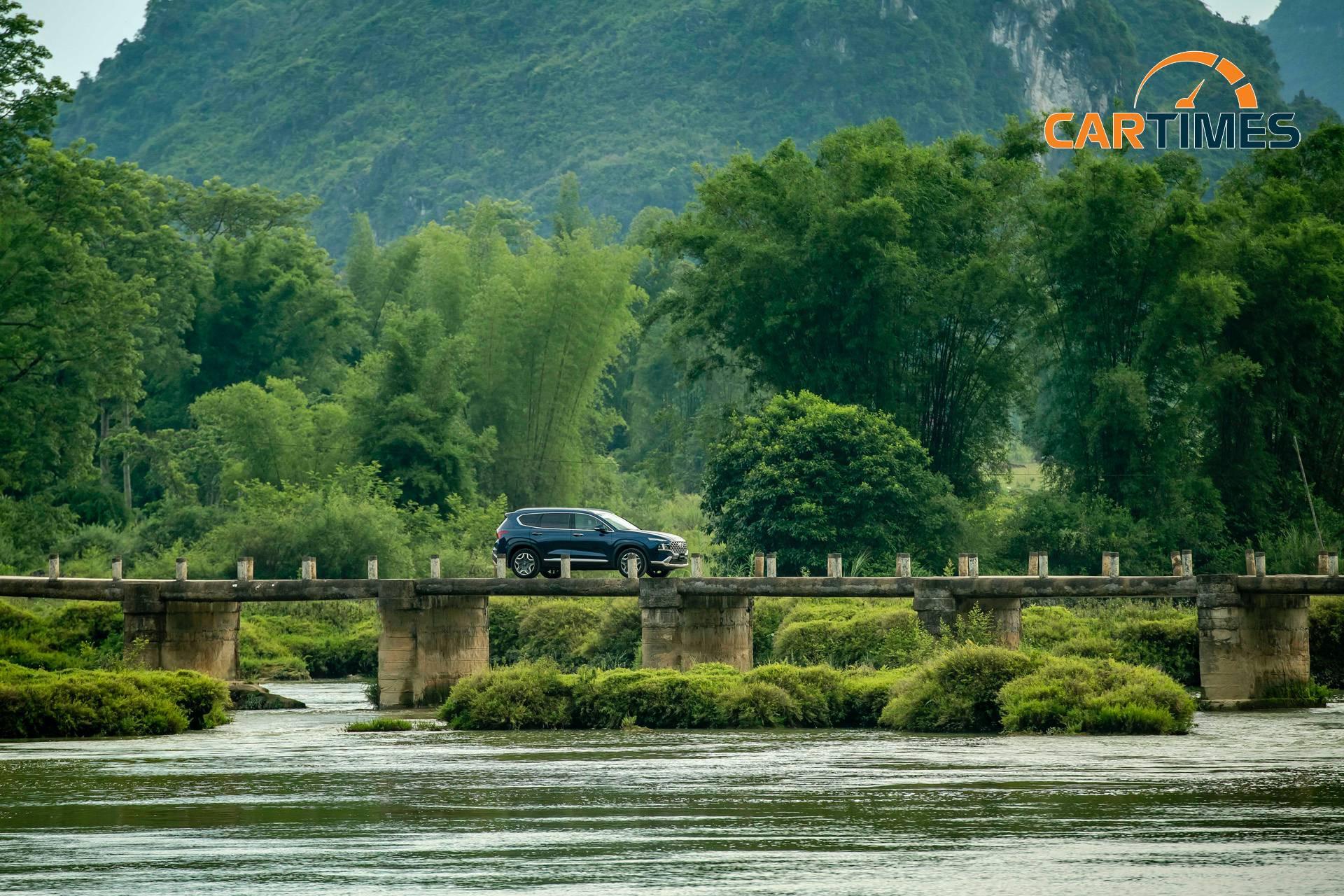 Hệ thống an toàn nhiều vừa là ưu điểm cũng là điểm cần tối ưu của Hyundai Santa Fe 2021