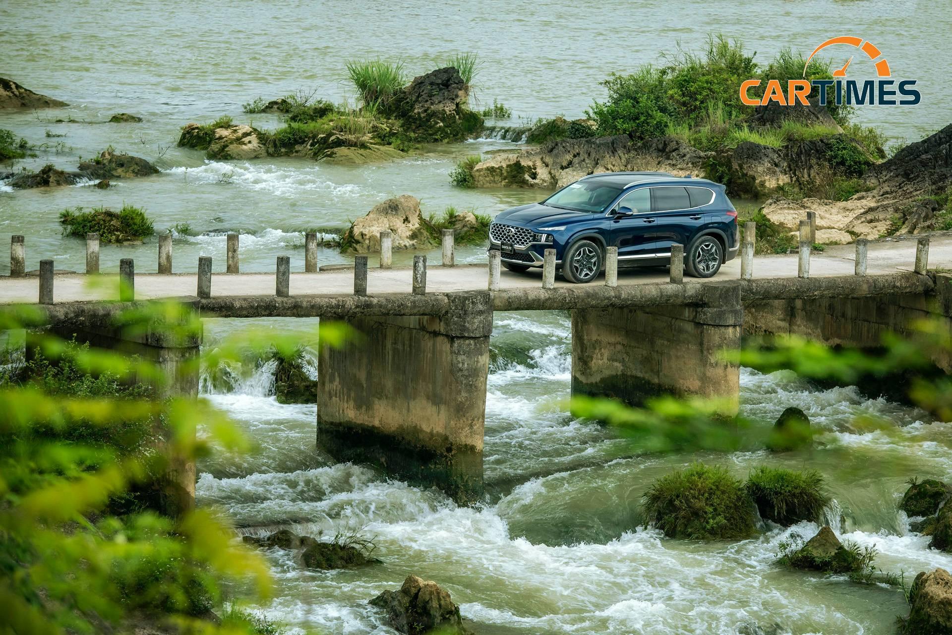 Hyundai Santa Fe 2021 là mẫu xe đáng giá trong phân khúc SUV tầm trung tại thị trường Việt Nam