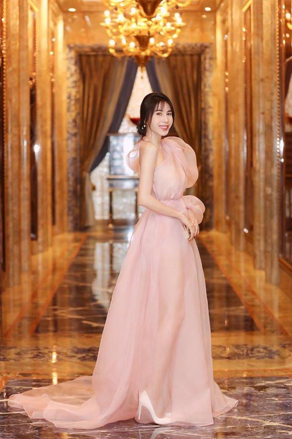 'Phụ nữ đẹp nhất khi không thuộc về ai' được coi là chân lý nhưng trừ Đông Nhi, Hari Won và nhiều mỹ nhân Việt khác ảnh 6