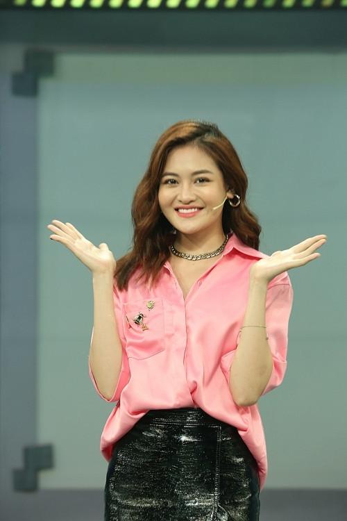 JayKii bất ngờ 'sánh đôi' hotgirl đình đám mạng xã hội tại 'Chọn đâu cho đúng'
