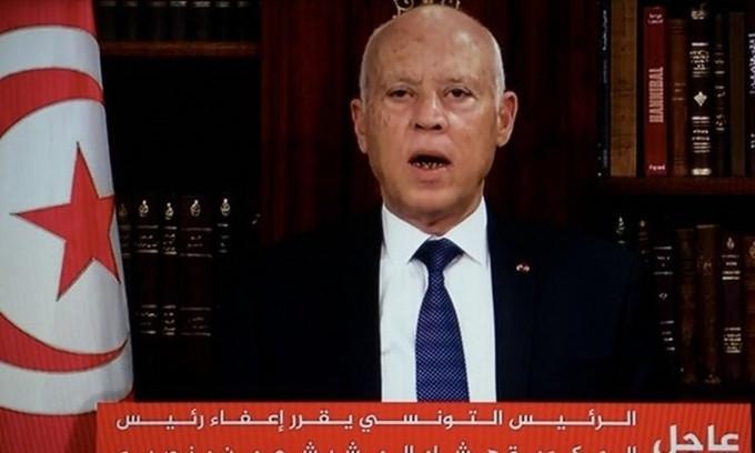 Tổng thống Tunisia giải tán Chính phủ, đình chỉ Quốc hội và sa thải Thủ tướng