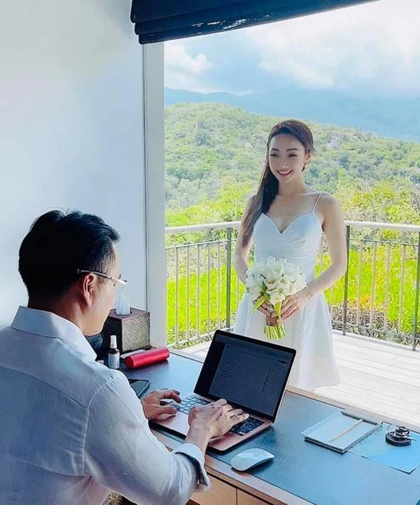 Vợ kém 16 tuổi của Chi Bảo mặc bikini khoe bụng bầu dù chưa tổ chức cưới-10