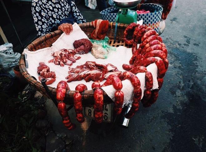 Tung lò mò: Món ăn độc đáo từ… ruột bò - 1