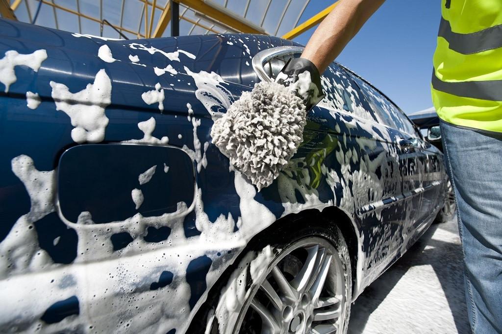 rửa xe tại nhà