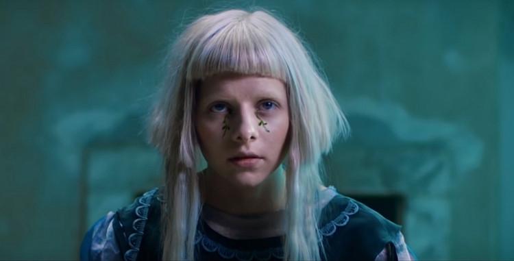 Ngoài 'Runaway', đây là những ca khúc cực kỳ tuyệt vời của Aurora