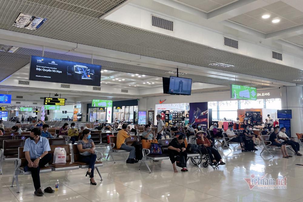 Bay từ Nội Bài vào TP.HCM hôm nay có 1 chuyến với 126 khách