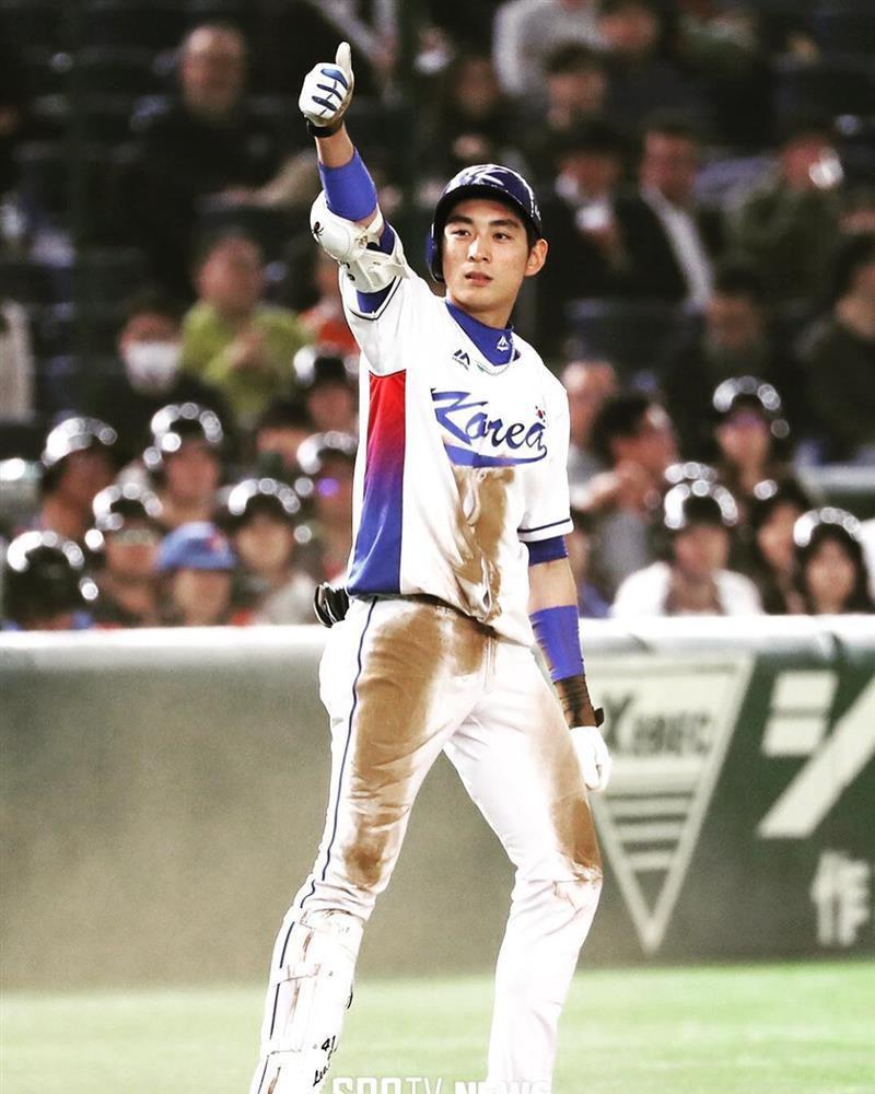 Thời trang và vẻ ngoài nam thần của đoàn Olympic Hàn Quốc-5