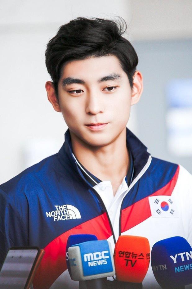 Thời trang và vẻ ngoài nam thần của đoàn Olympic Hàn Quốc-6