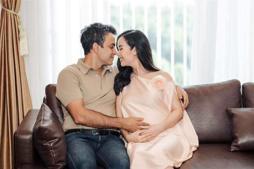 Võ Hạ Trâm như ngồi trên lửa khi con sơ sinh mắc chứng vàng da-4