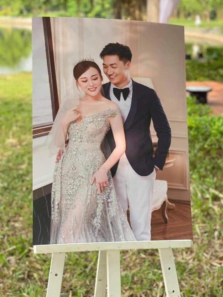 HOT nhất Hương vị tình thân: Long - Nam bị leak ảnh cưới chụp cùng họ hàng, fan đua nhau lên thuyền trở lại - Ảnh 4.