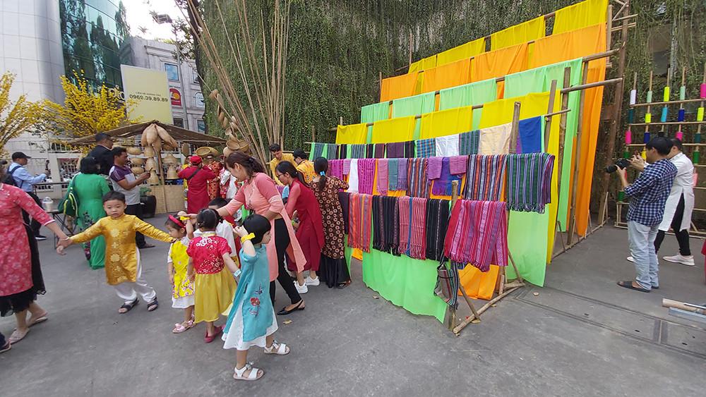 Số hóa dữ liệu lễ hội tại Việt Nam - 1