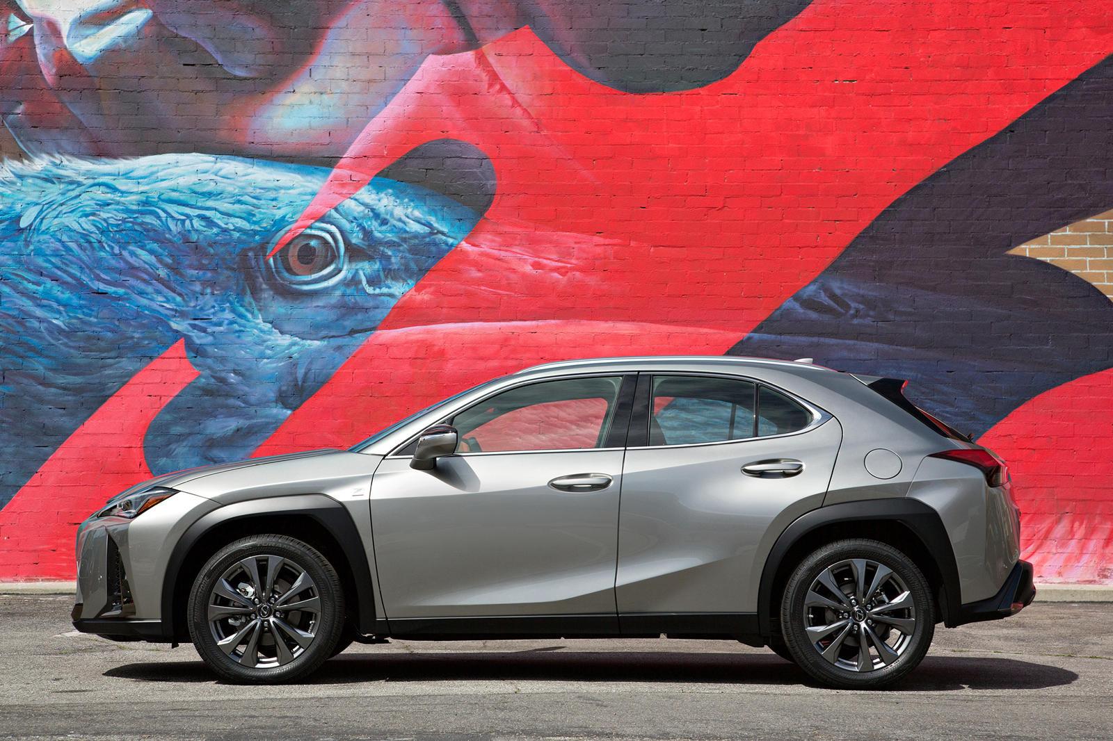 Lexus đang chuyển hướng sản phẩm sang các mẫu xe nhỏ hơn