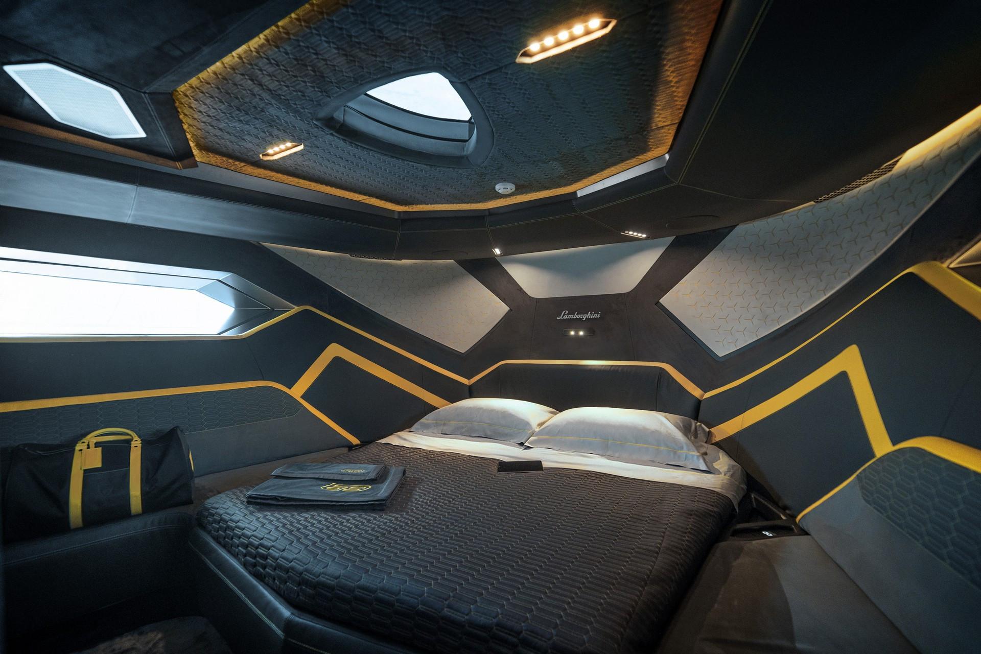 Giường ngủ trên Lamborghini Tecnomar