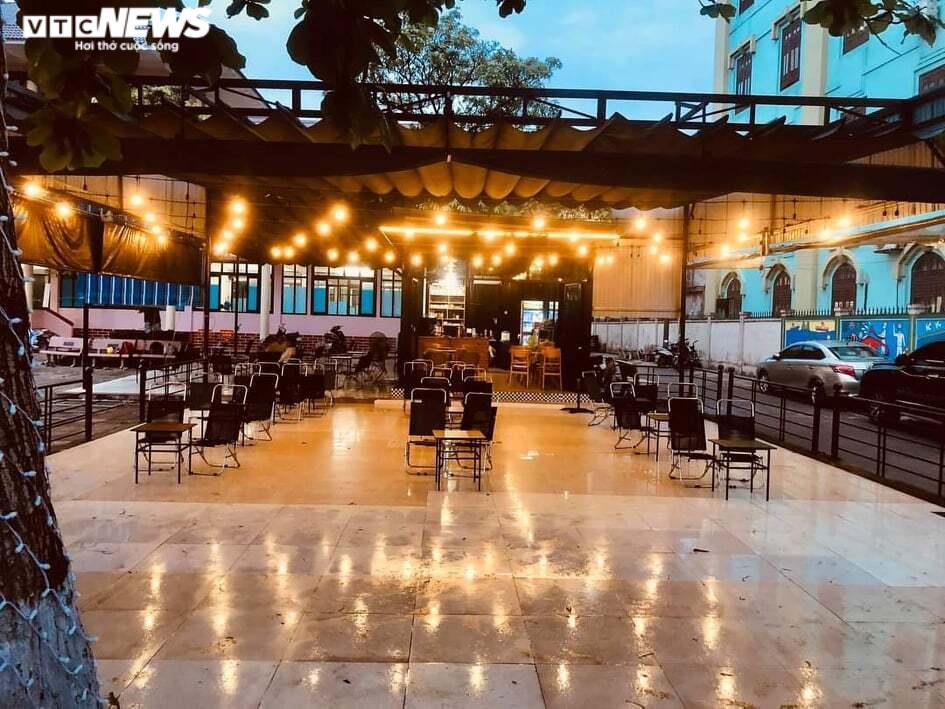 Quảng Trị: Nhà hàng, quán ăn dừng phục vụ tại chỗ, chỉ bán mang về từ ngày mai - 1
