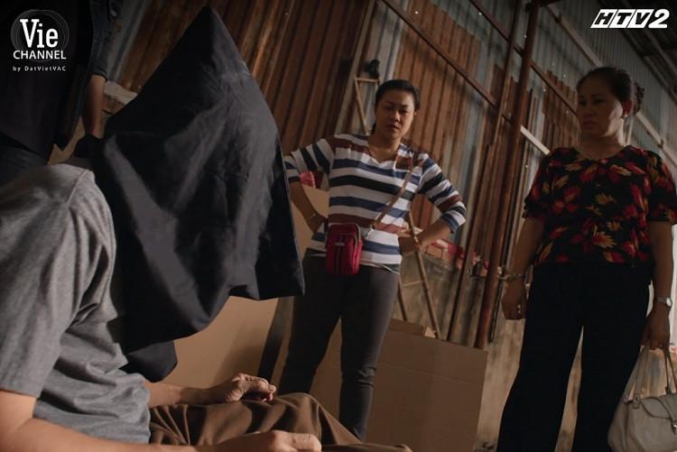 'Cây táo nở hoa' tập 50: Dư bỏ nhà đi theo xã hội đen, Ngọc bị chủ nợ đánh đập thê thảm