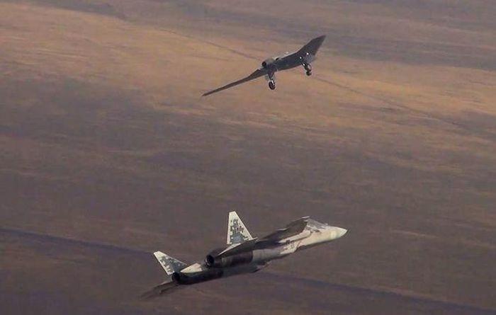 Nga lần đầu hé lộ phiên bản Su-57 độc đáo