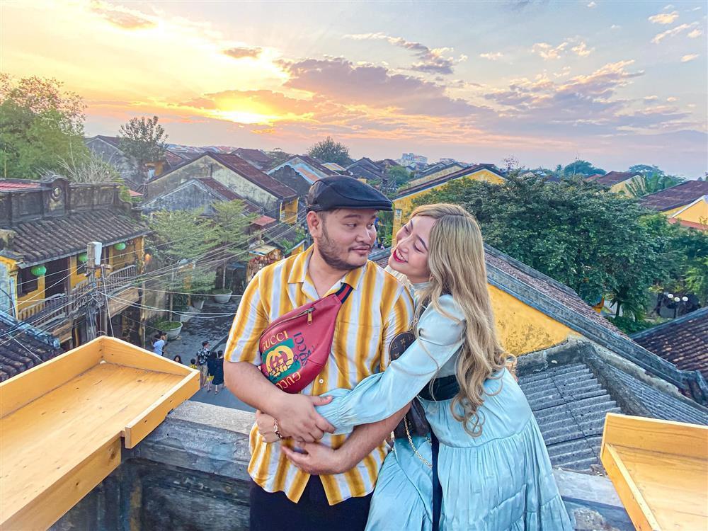 Lương Minh Trang ngày thông báo ly hôn, đêm ngồi cười sặc sụa-4