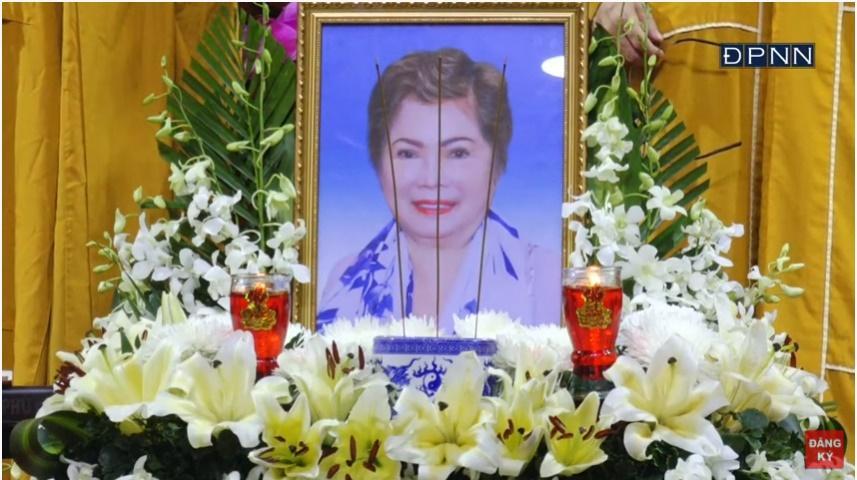 Lễ cầu siêu mẹ đẻ Ngọc Sơn, xót xa khi danh ca không thể có mặt-2