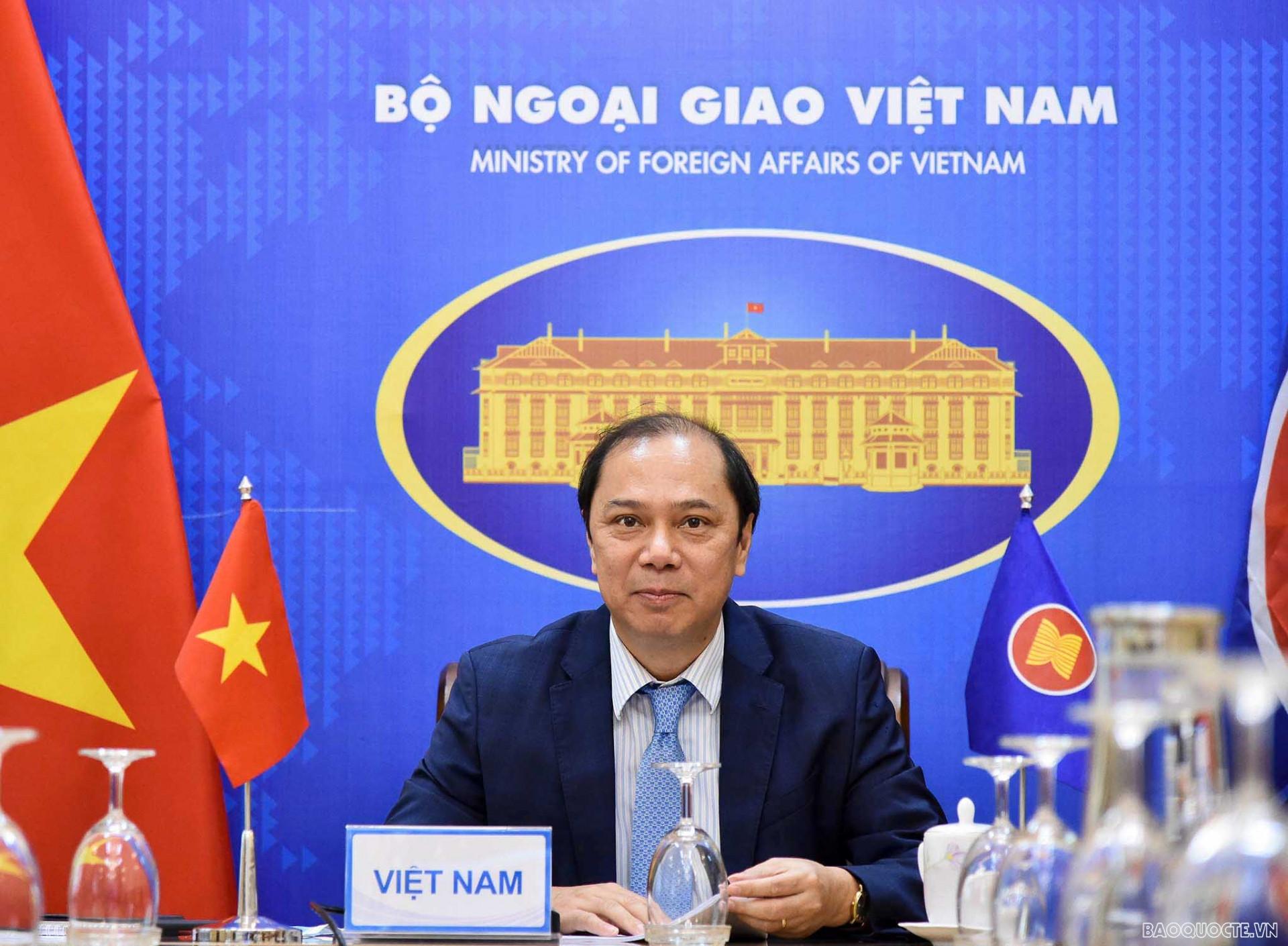 Thứ trưởng Nguyễn Quốc Dũng họp SOMMm
