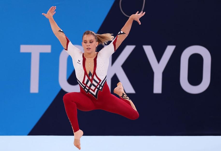 """Ồn ào quanh trang phục dễ """"gặp nạn"""" của bộ môn thể thao Olympic có đồ thi đấu sexy nhất - 8"""