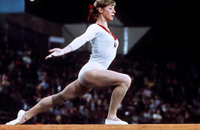 """Ồn ào quanh trang phục dễ """"gặp nạn"""" của bộ môn thể thao Olympic có đồ thi đấu sexy nhất - 6"""