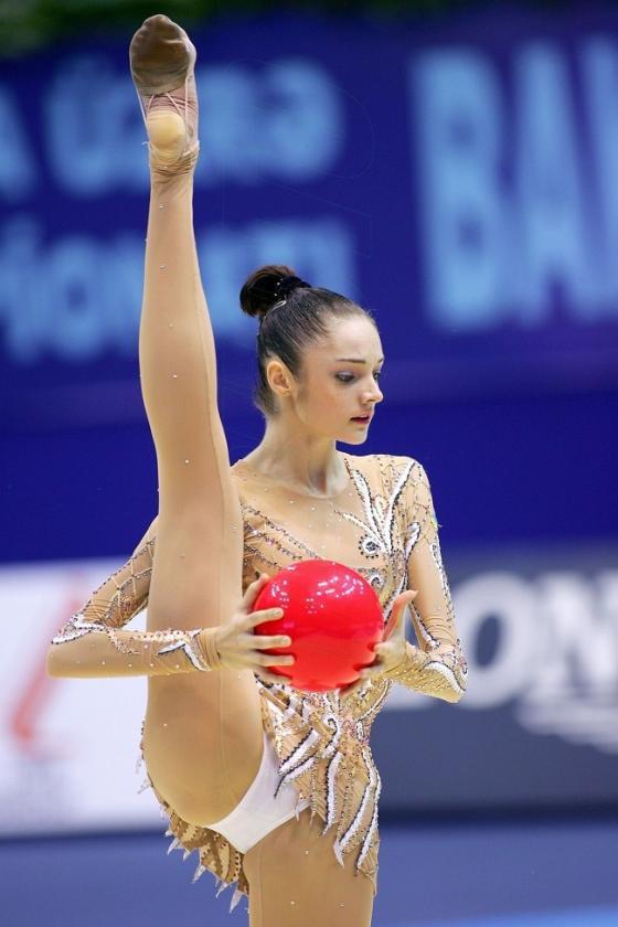 """Ồn ào quanh trang phục dễ """"gặp nạn"""" của bộ môn thể thao Olympic có đồ thi đấu sexy nhất - 9"""