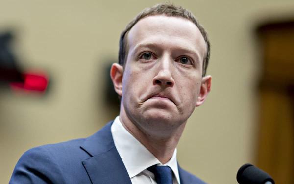 Mark Zuckerberg thừa nhận thời gian tới Facebook sẽ khó sống, vốn hoá công ty bốc hơi luôn 40 tỷ USD trong vài giờ - Ảnh 1.