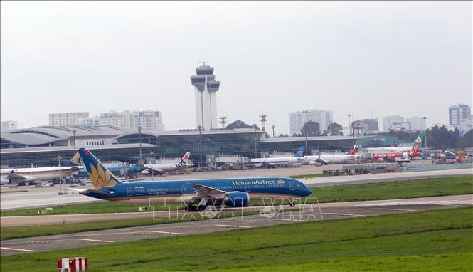 Cục Hàng không kiến nghị tháo gỡ khó khăn cho các hãng hàng không và hành khách  - 1