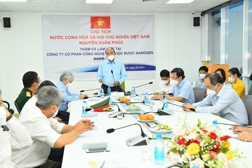 Chủ tịch nước đề nghị cấp phép sớm cho vaccine  Nano Covax - 1