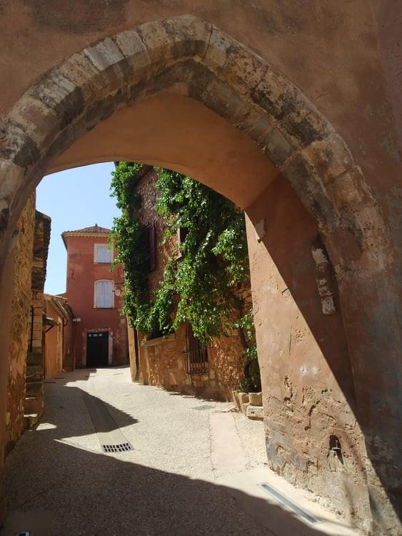 Roussillon: Cuộc dạo chơi giữa đại tiệc sắc màu - 2