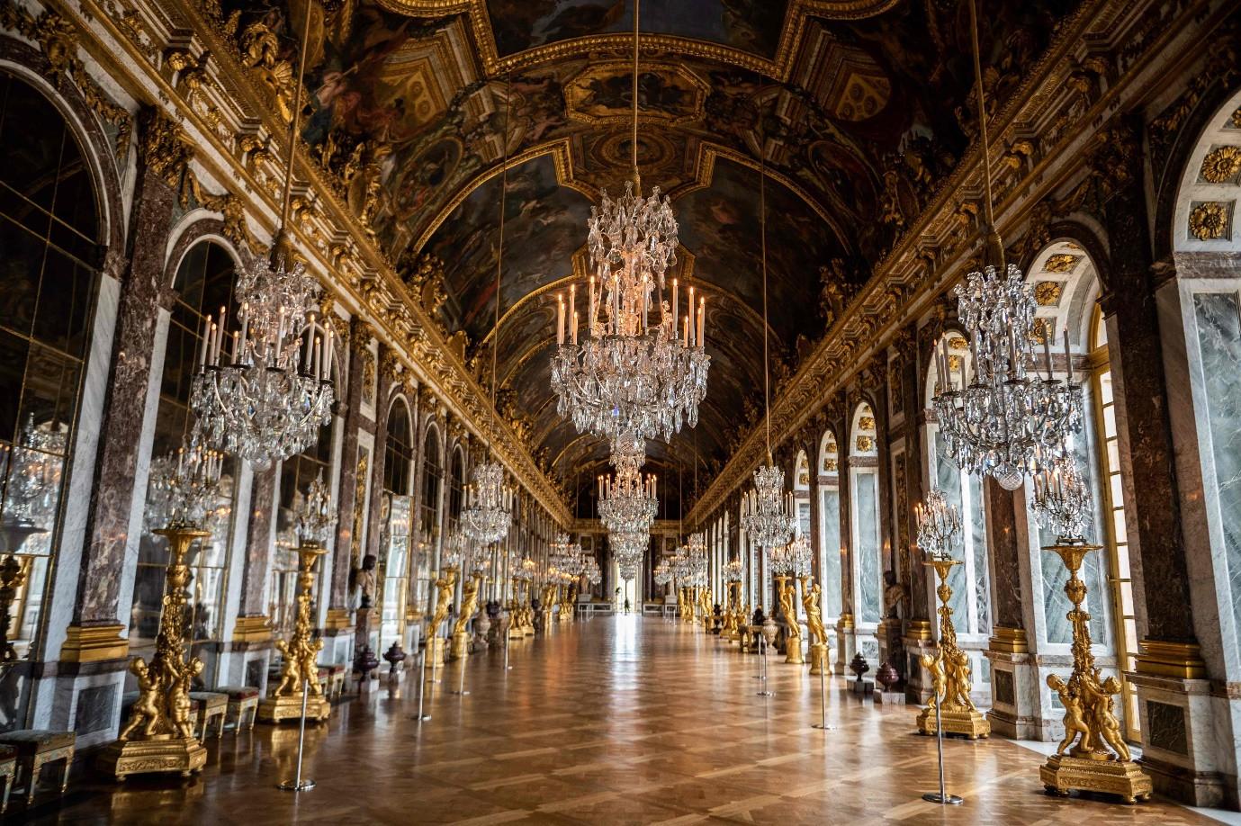 Một đêm nghỉ dưỡng đắt đỏ kiểu hoàng gia ở cung điện Versailles - 7