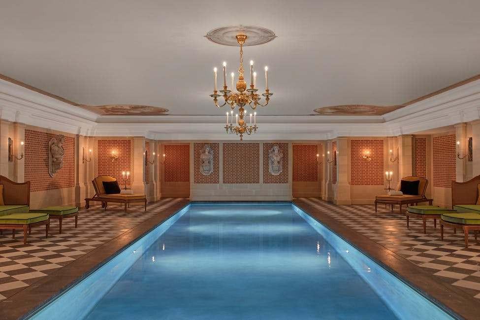 Một đêm nghỉ dưỡng đắt đỏ kiểu hoàng gia ở cung điện Versailles - 5