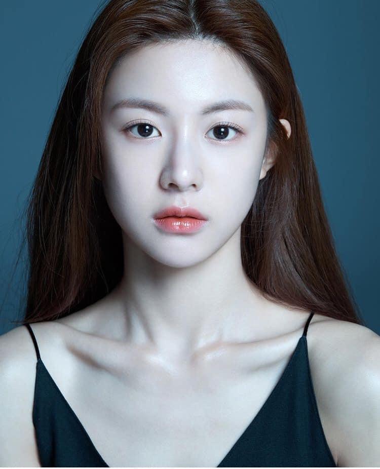 Mỹ nhân Hàn sở hữu gương mặt tỉ lệ kim cương-1