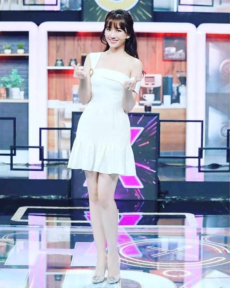 Hari Won công khai số đo eo, Trấn Thành gọi Bà Heo cũng đúng-8