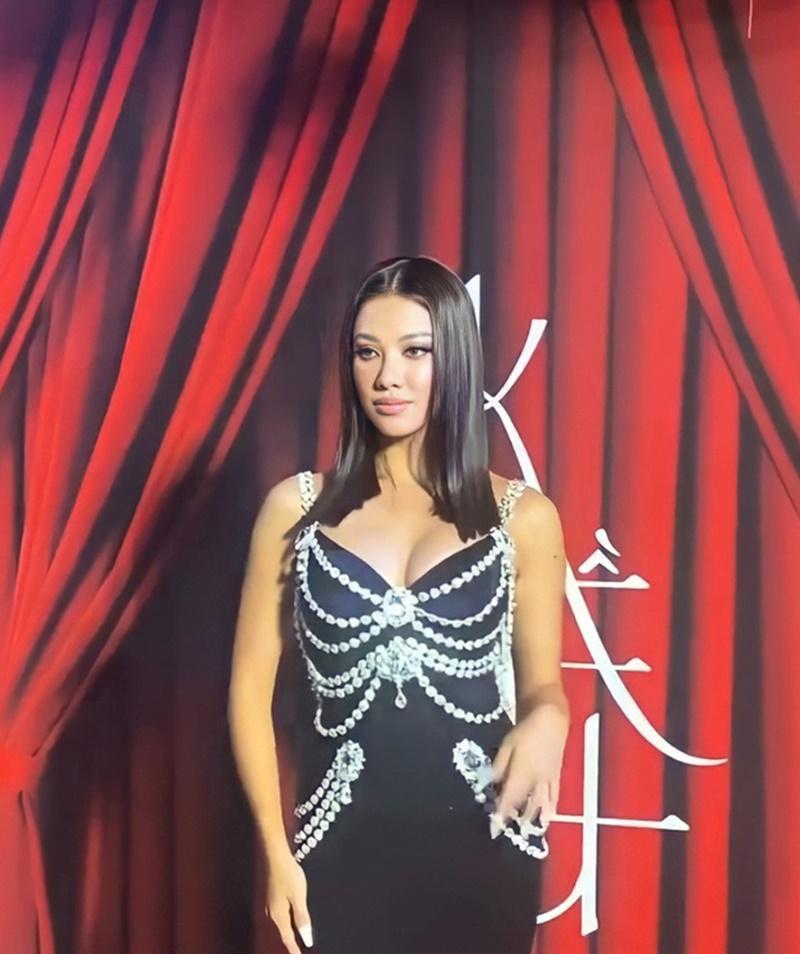Hết Kim Duyên lại đến tình địch tin đồn của Ngọc Trinh diện váy nhái Chanel-4