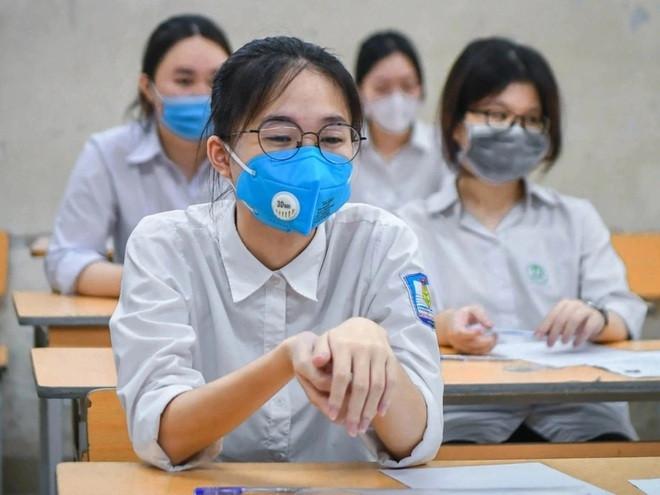 Top 10 trường có tổng điểm thi tốt nghiệp THPT cao nhất Hà Nội, chuyên Hà Nội - Amsterdam dẫn đầu