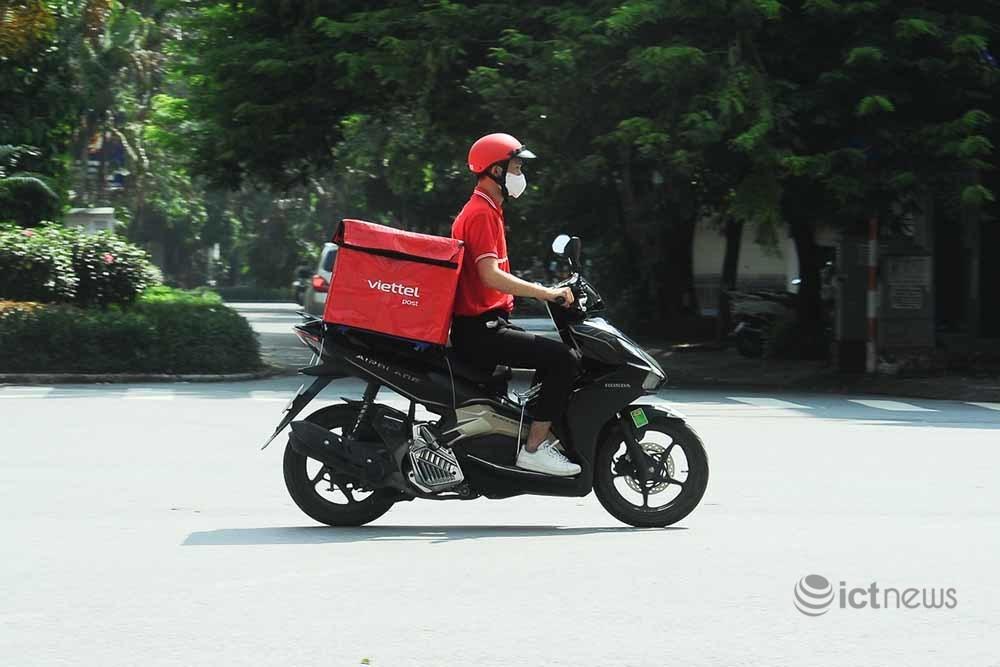 Đăng ký cho shipper của bưu chính hoạt động trong giãn cách tại Hà Nội cần điều kiện gì?