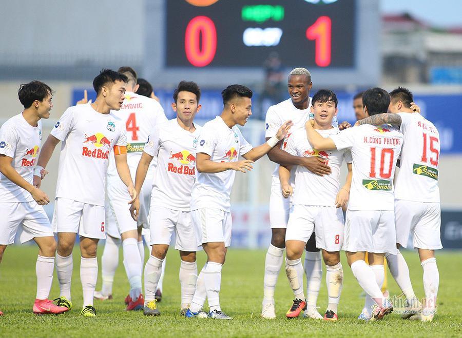 VPF đề xuất đá lại V-League từ tháng 11, một đội xuống hạng - 1