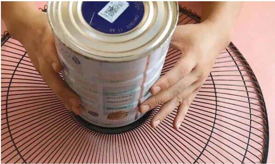 Đừng vội vứt chiếc quạt điện nếu nó bị hỏng, hãy đặt một chai nhựa to ở giữa, cả nhà sẽ đổ xô vào sử dụng-9