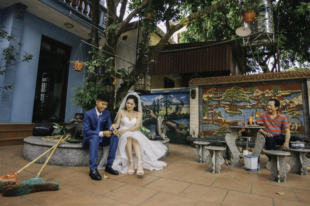 Chàng trai của Ẩm Thực Mẹ Làm đón thành viên mới: Phụ huynh mặc trang phục kỳ lạ chụp ảnh cưới và lời khuyên từ mẹ để hôn nhân hạnh phúc-5