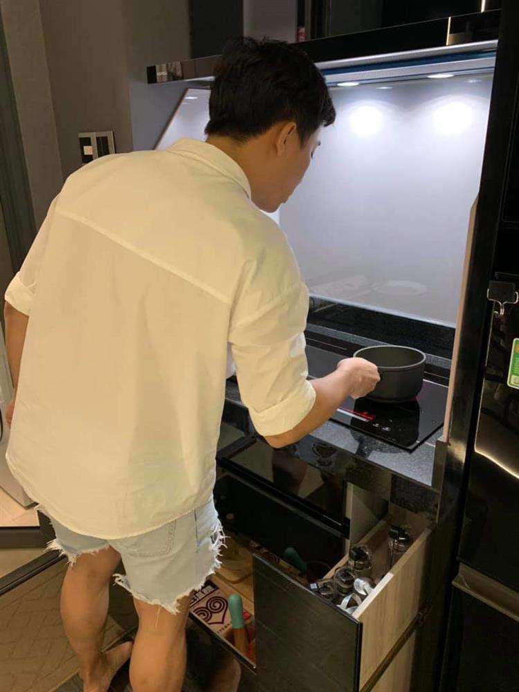Hari Won làm 7 việc nhà, chứng minh không phải cô vợ vô dụng-7